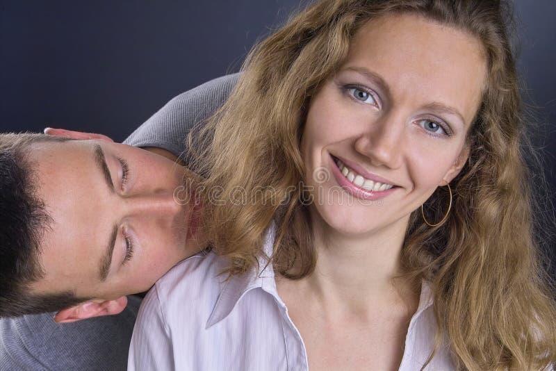 Download ευτυχές γέλιο ζευγών στοκ εικόνες. εικόνα από θηλυκό, χείλια - 391706