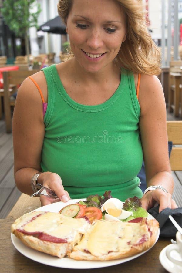 ευτυχές γεύμα στοκ φωτογραφία με δικαίωμα ελεύθερης χρήσης