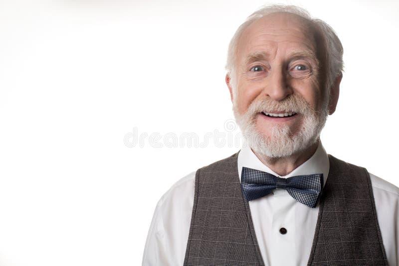 Ευτυχές ηλικιωμένο άτομο με το χαρούμενο πρόσωπο στοκ φωτογραφία
