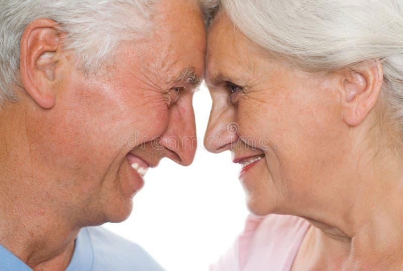 Ευτυχές ηλικιωμένο ζεύγος από κοινού στοκ φωτογραφίες