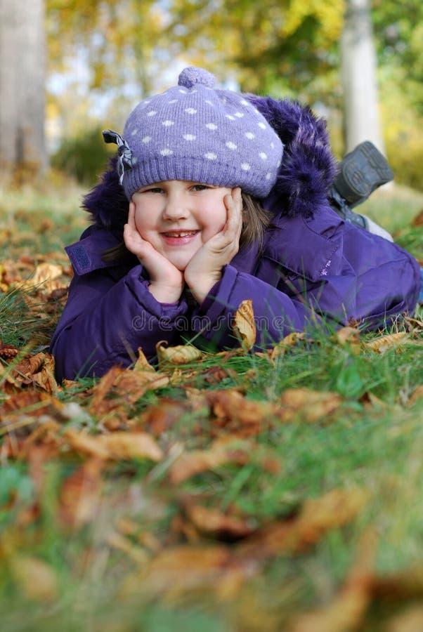 Download Ευτυχές κορίτσι στοκ εικόνες. εικόνα από χαριτωμένος - 22782594