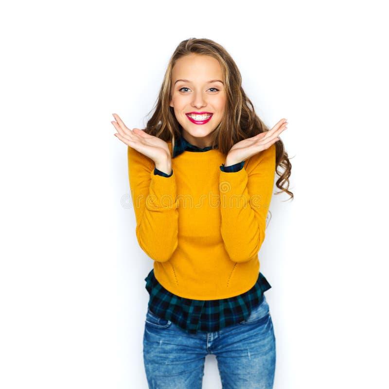 Ευτυχές νέο κορίτσι γυναικών ή εφήβων στα περιστασιακά ενδύματα στοκ εικόνες με δικαίωμα ελεύθερης χρήσης
