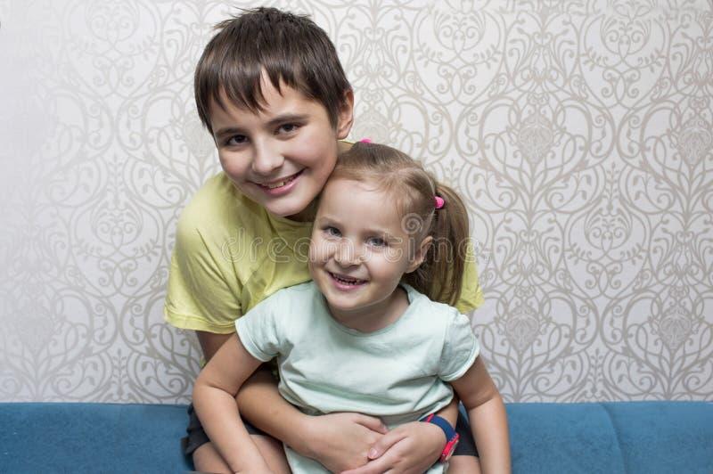 Ευτυχές να φανεί παιδιά στοκ φωτογραφίες με δικαίωμα ελεύθερης χρήσης