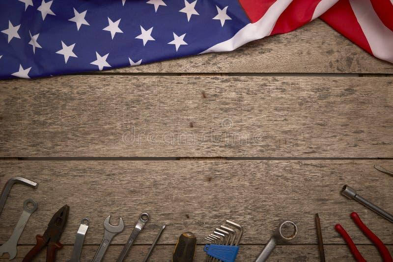 ευτυχές ξύλινο υπόβαθρο ημέρας της ανεξαρτησίας στοκ εικόνες