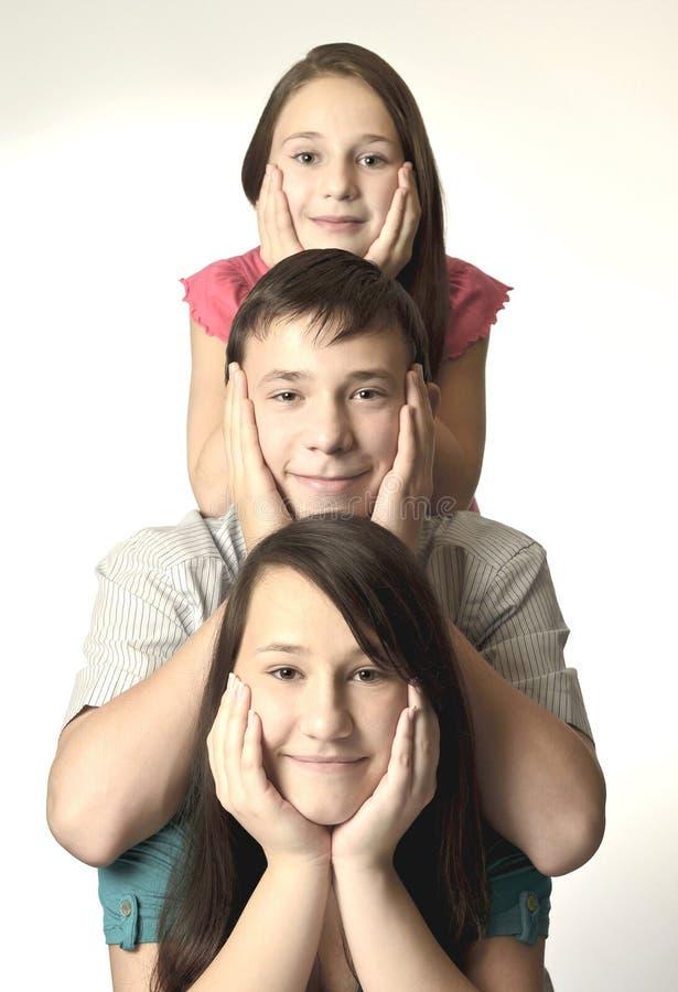 Ευτυχές οικογενειακό πορτρέτο στοκ φωτογραφία