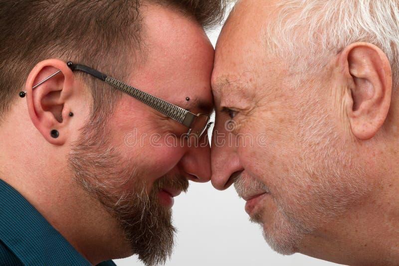 Ευτυχές ομοφυλοφιλικό ζεύγος στοκ εικόνες