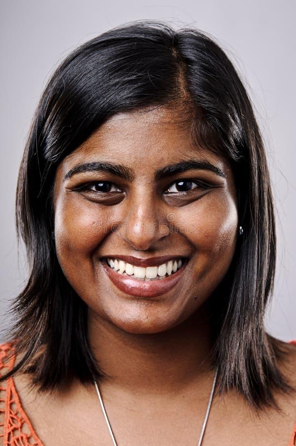 Ευτυχές πορτρέτο χαμόγελου στοκ φωτογραφίες