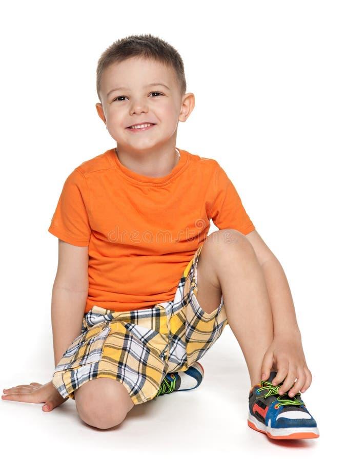 Ευτυχές προσχολικό αγόρι στοκ φωτογραφία με δικαίωμα ελεύθερης χρήσης