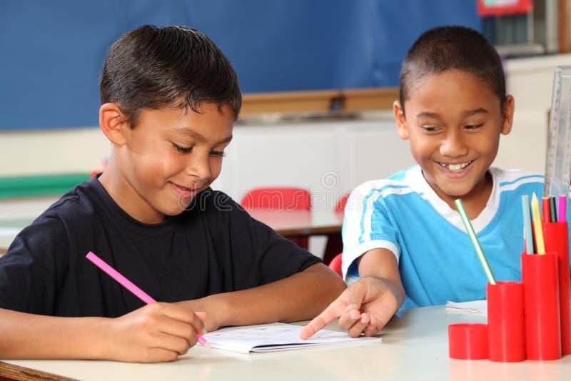 ευτυχές σχολείο εκμάθη& στοκ φωτογραφία με δικαίωμα ελεύθερης χρήσης