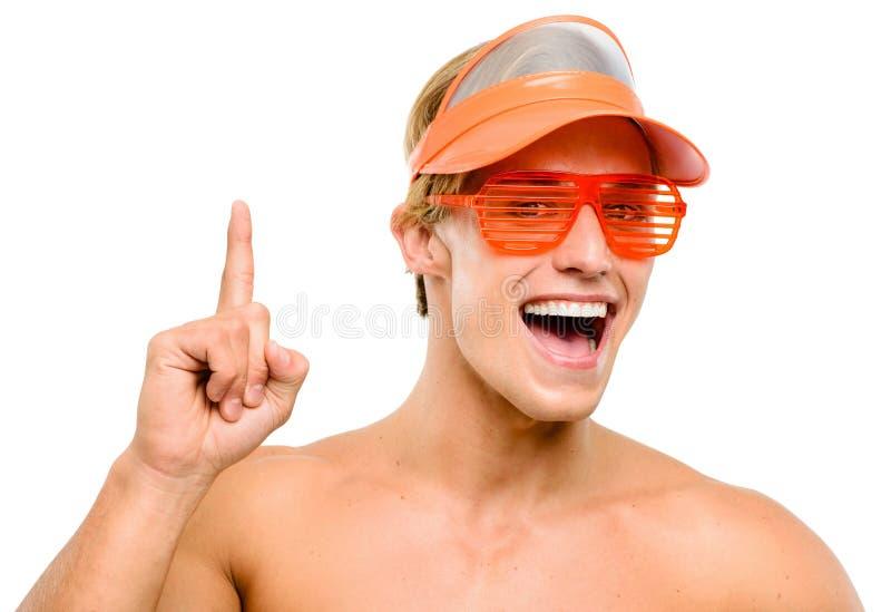 Ευτυχές χαμόγελο νεαρών άνδρων που απομονώνεται στο άσπρο υπόβαθρο στοκ εικόνες