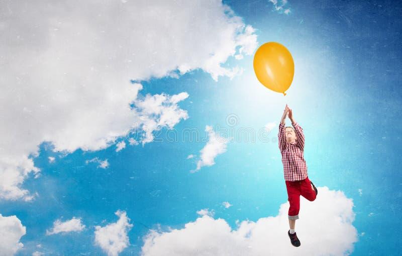 Ευτυχής απρόσεκτη παιδική ηλικία στοκ φωτογραφία με δικαίωμα ελεύθερης χρήσης