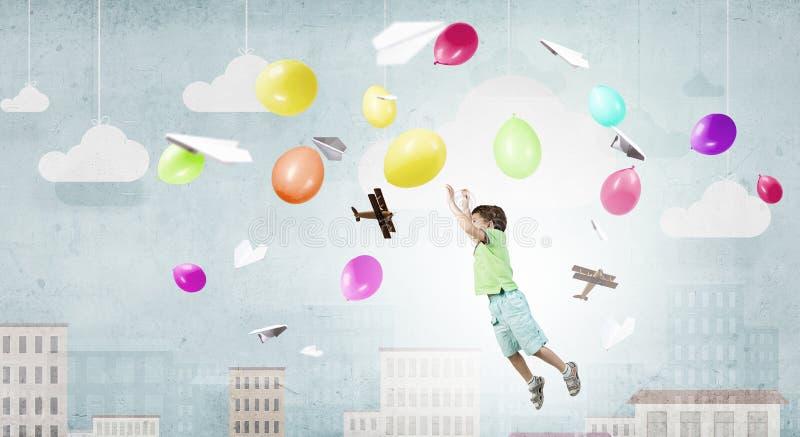 Ευτυχής απρόσεκτη παιδική ηλικία στοκ φωτογραφίες με δικαίωμα ελεύθερης χρήσης