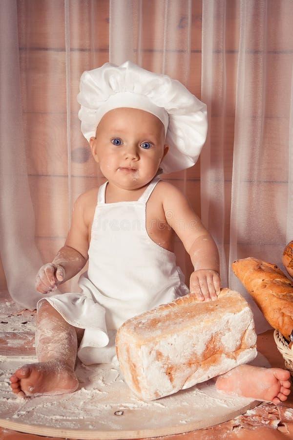 Ευτυχής αρτοποιός μωρών στοκ εικόνες με δικαίωμα ελεύθερης χρήσης