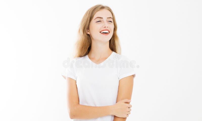 ευτυχής γυναίκα προσώπου Χαμογελώντας κορίτσι στην άσπρη θερινή μπλούζα προτύπων που απομονώνεται διάστημα αντιγράφων Χρόνος διασ στοκ φωτογραφία με δικαίωμα ελεύθερης χρήσης