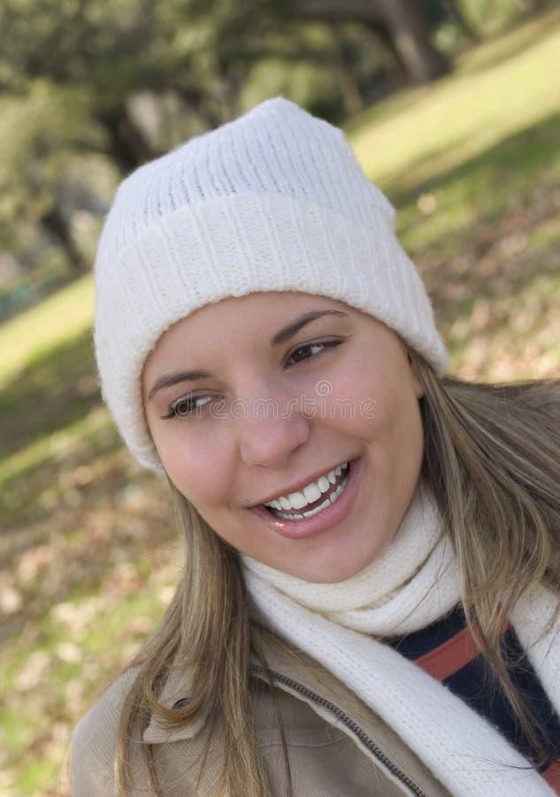 Download ευτυχής γυναίκα στοκ εικόνα. εικόνα από κρύο, θερμός, κορίτσι - 89205