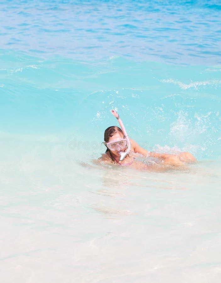 ευτυχής κολυμπήστε με αναπνευτήρα στοκ εικόνες με δικαίωμα ελεύθερης χρήσης