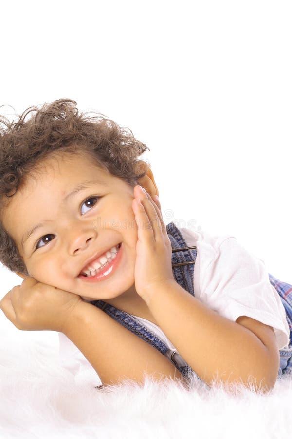 ευτυχής λίγο μικρό παιδί στοκ εικόνες