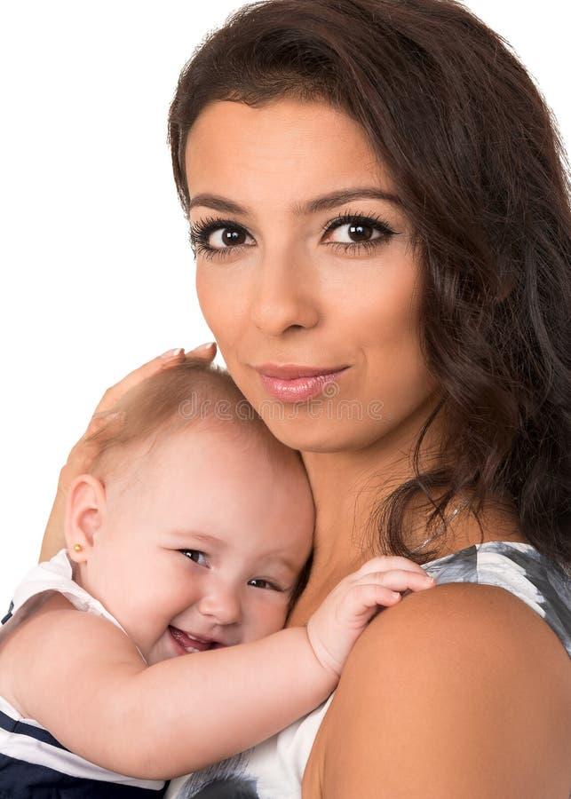 Ευτυχής μητέρα το κοριτσάκι που απομονώνεται με στοκ εικόνες