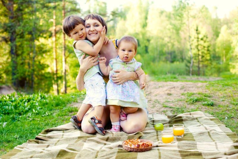 ευτυχής μητέρα στοκ φωτογραφίες
