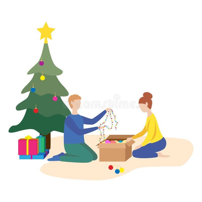 Ευτυχής οικογένεια που προετοιμάζεται να γιορτάσει το νέο έτος Το ζεύγος ντύνει επάνω το χριστουγεννιάτικο δέντρο απεικόνιση αποθεμάτων