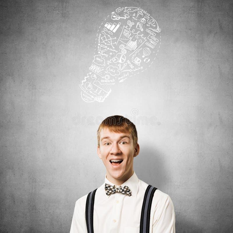 Ευτυχής redhead σπουδαστής με το ευρύ χαμόγελο διανυσματική απεικόνιση