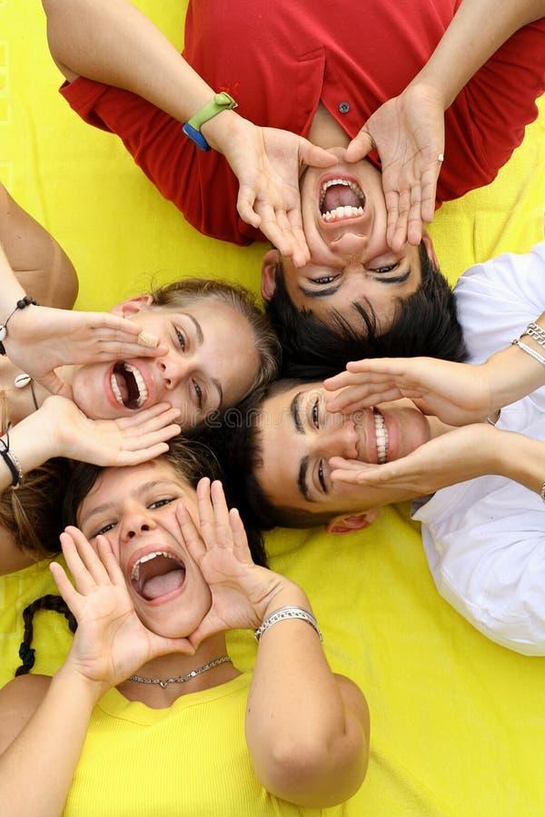 ευτυχή teens ομάδας στοκ φωτογραφίες με δικαίωμα ελεύθερης χρήσης