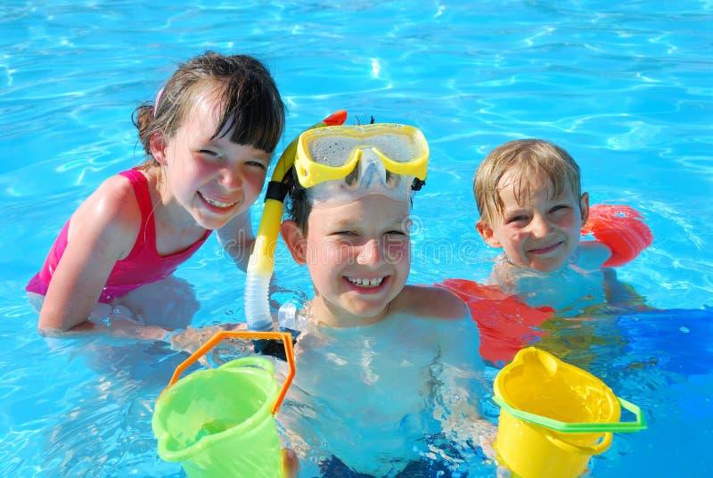 ευτυχείς κολυμβητές στοκ εικόνα με δικαίωμα ελεύθερης χρήσης