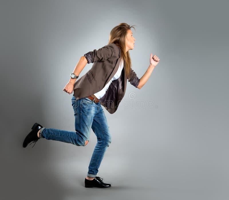 ευτυχείς νεολαίες γυναικών πορτρέτου επιχειρησιακών κινηματογραφήσεων σε πρώτο πλάνο στοκ εικόνες με δικαίωμα ελεύθερης χρήσης