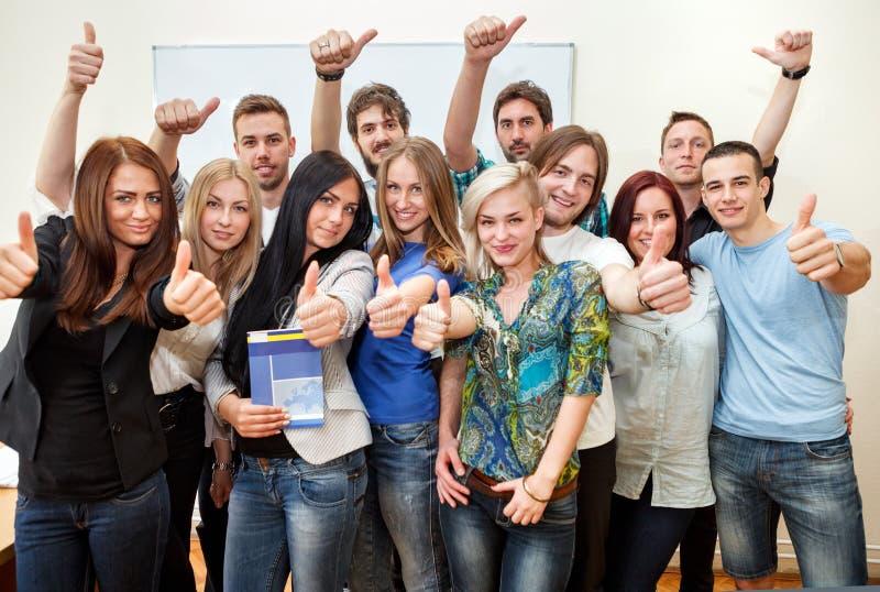 Ευτυχείς σπουδαστές στοκ φωτογραφία