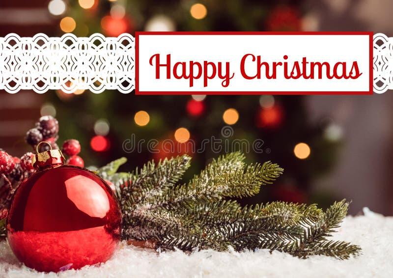 Ευτυχείς χαιρετισμοί Χριστουγέννων με τις διακοσμήσεις φύλλων μπιχλιμπιδιών και πεύκων στοκ εικόνες