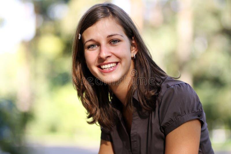 ευτυχείς χαμογελώντας στοκ εικόνα με δικαίωμα ελεύθερης χρήσης