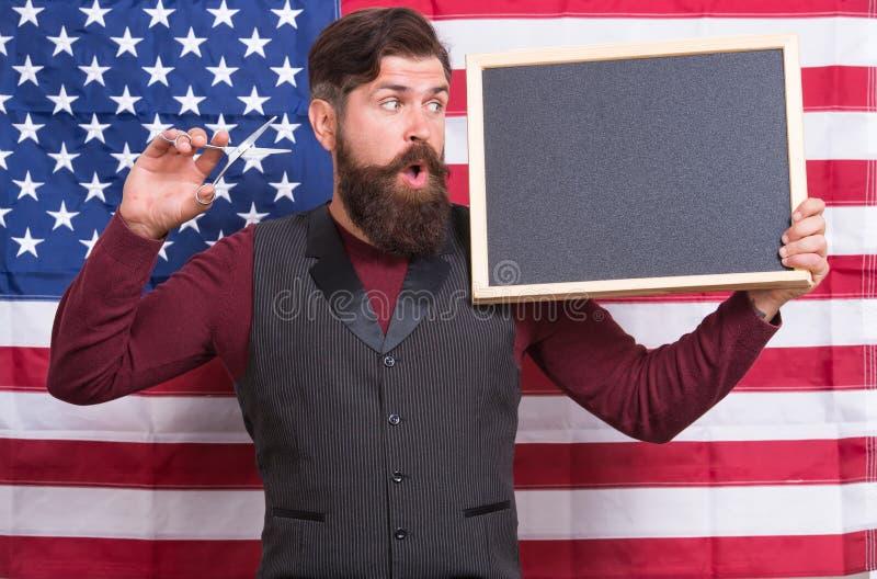 Ευτυχείς ώρες Αμερικανικό ύφος Αμερικανικό υπόβαθρο αμερικανικών σημαιών στιλίστων ή κομμωτών τρίχας κουρέων r στοκ εικόνες