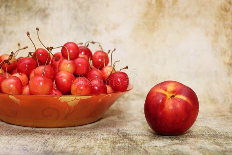 Ευχαρίστηση φρούτων παραδείσου Ακόμα ζωή των φρούτων στοκ φωτογραφία