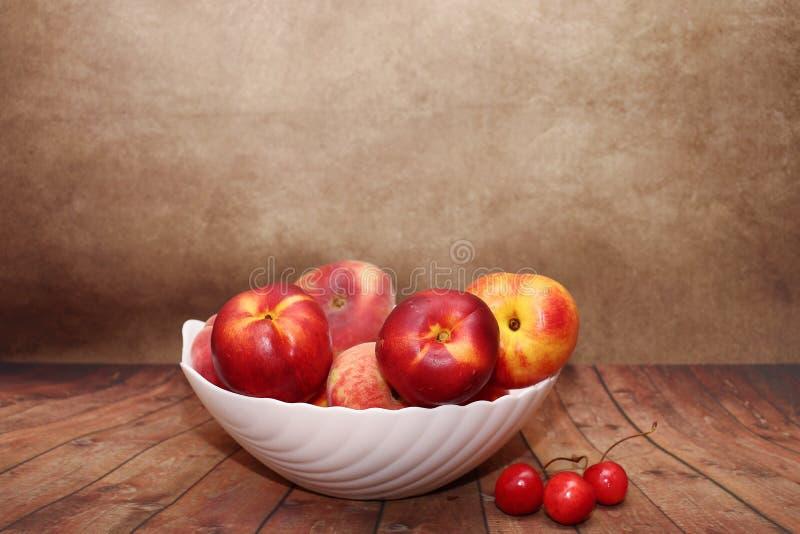 Ευχαρίστηση φρούτων παραδείσου Ακόμα ζωή των φρούτων στοκ εικόνα με δικαίωμα ελεύθερης χρήσης