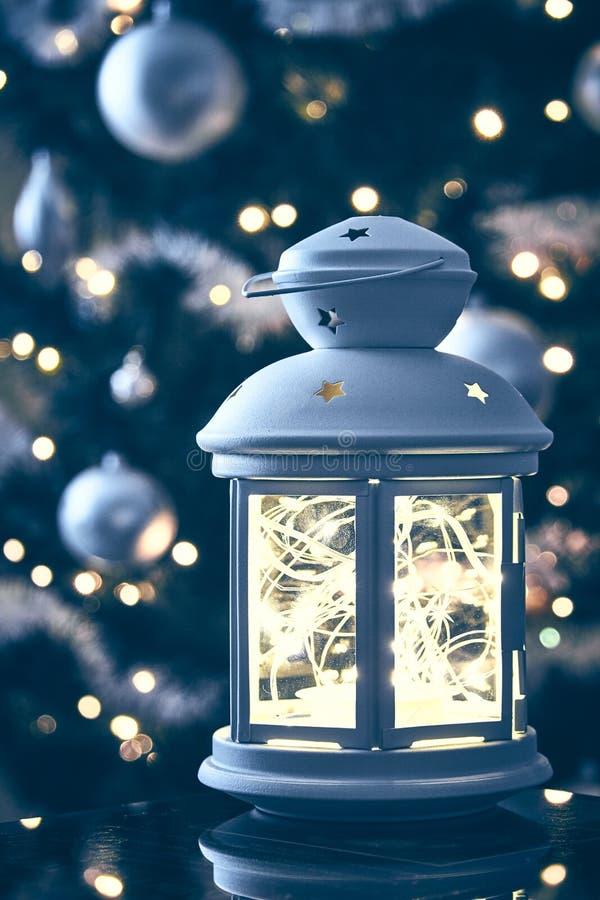 Ευχετήρια κάρτα διακοπών σκηνής φαναριών Χριστουγέννων στοκ φωτογραφίες