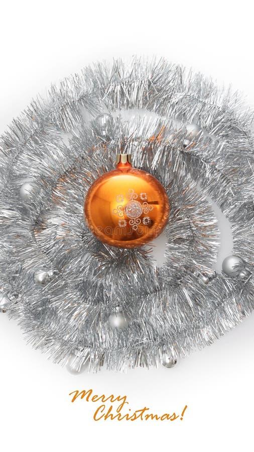 Ευχετήρια κάρτα φιαγμένη από ασημένιο tinsel με τις ασημένιες και πορτοκαλιές σφαίρες Χριστουγέννων στοκ εικόνα με δικαίωμα ελεύθερης χρήσης