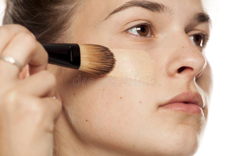 'Εφαρμογή' της γυναίκας ι&del στοκ φωτογραφία με δικαίωμα ελεύθερης χρήσης