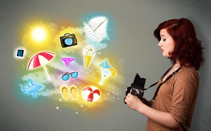 Εφηβικός φωτογράφος που κάνει τις φωτογραφίες χρωματισμένων των διακοπές εικονιδίων απεικόνιση αποθεμάτων