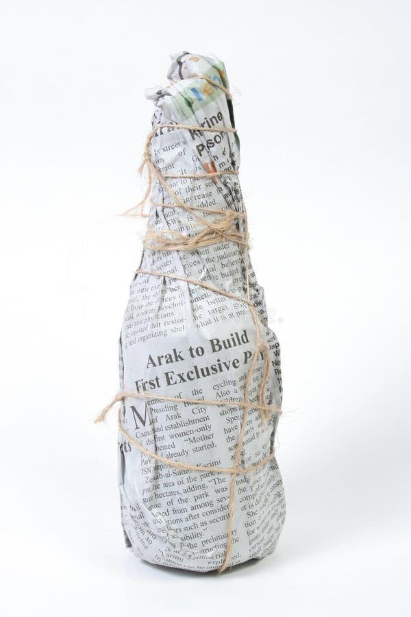 Download εφημερίδα στοκ εικόνες. εικόνα από γυαλί, τυπωμένος, εμφιαλωτών - 790168