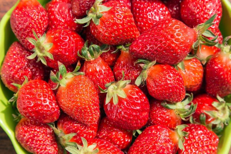 Εύγευστες ώριμες φράουλες στοκ φωτογραφία με δικαίωμα ελεύθερης χρήσης