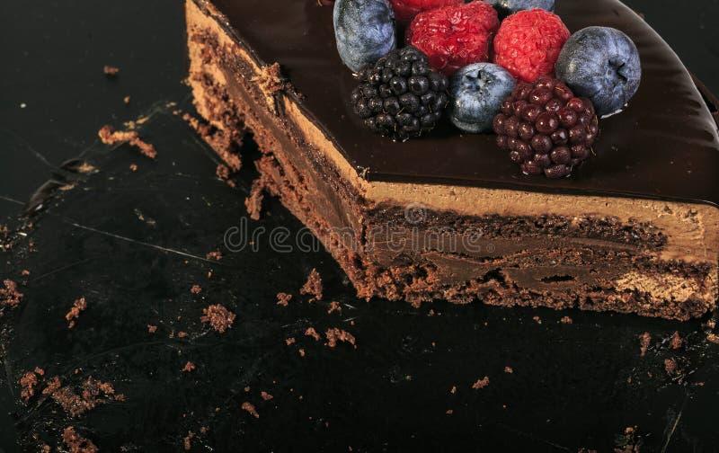 Εύγευστη κόκκινη πίτα φρούτων με τη σοκολάτα στοκ φωτογραφίες με δικαίωμα ελεύθερης χρήσης