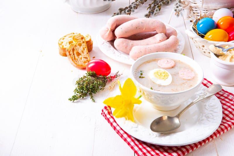 Εύγευστη σούπα Πάσχας Zurek μετά από το ύφος στιλβωτικής ουσίας στοκ εικόνες