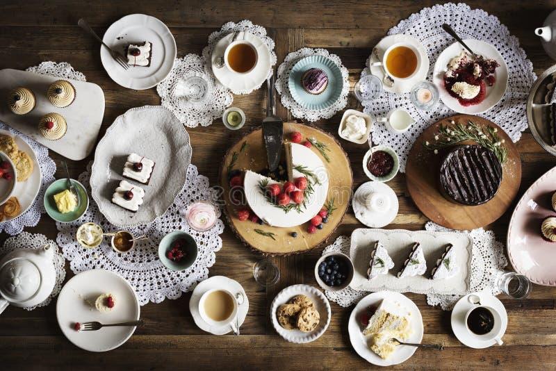 Εύγευστη υποδοχή κόμματος γεγονότος αρτοποιείων επιδορπίων κέικ στοκ εικόνες