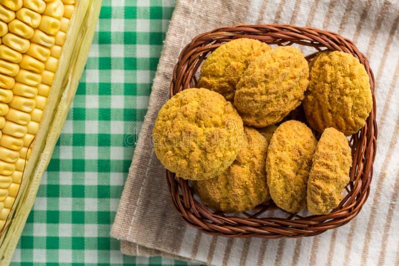 Εύγευστος κίτρινος σπάδικας μπισκότων και καλαμποκιού Γλυκά τρόφιμα Festa Junina στοκ εικόνα με δικαίωμα ελεύθερης χρήσης