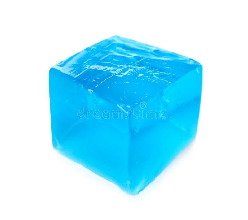 Εύγευστος μπλε κύβος ζελατίνας στο λευκό στοκ φωτογραφίες με δικαίωμα ελεύθερης χρήσης