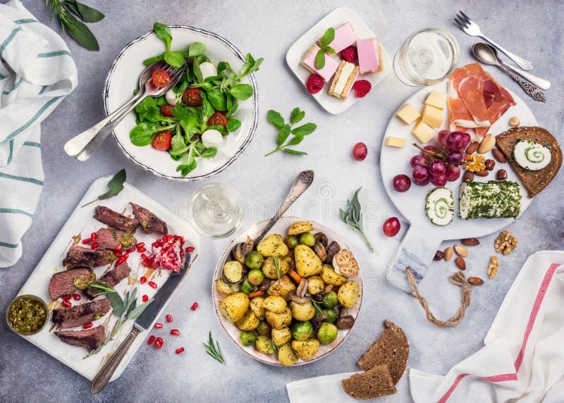 Εύγευστος πίνακας γευμάτων στοκ φωτογραφία με δικαίωμα ελεύθερης χρήσης