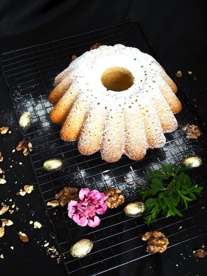 Εύγευστο κέικ Πάσχας εύκολο να ψήσει στοκ φωτογραφία με δικαίωμα ελεύθερης χρήσης