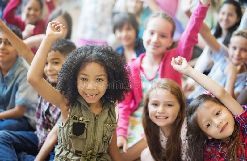 Εύθυμη έννοια παραλλαγής παιδιών σχολείου στοκ εικόνα με δικαίωμα ελεύθερης χρήσης