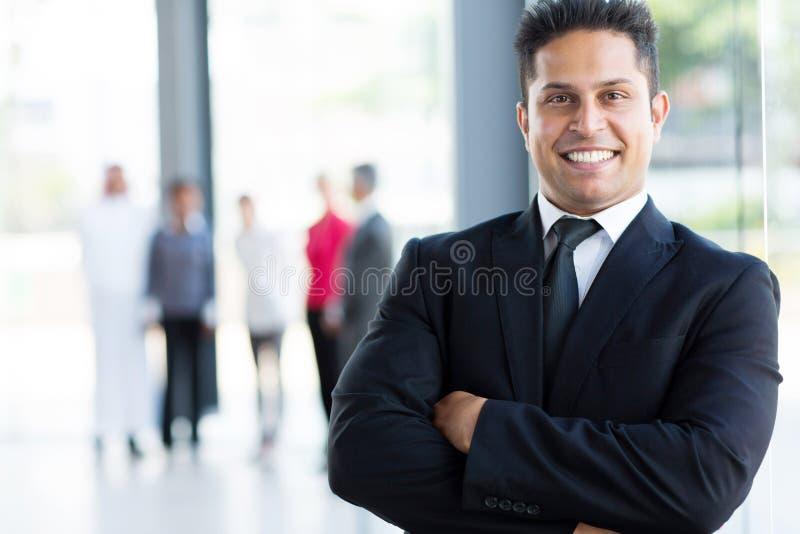 Εύθυμος ινδικός επιχειρηματίας στοκ φωτογραφία με δικαίωμα ελεύθερης χρήσης