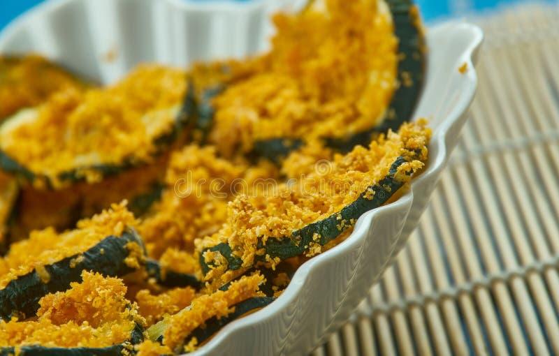 Εύκολα φούρνος-ψημένα τσιπ κολοκυθιών στοκ φωτογραφία